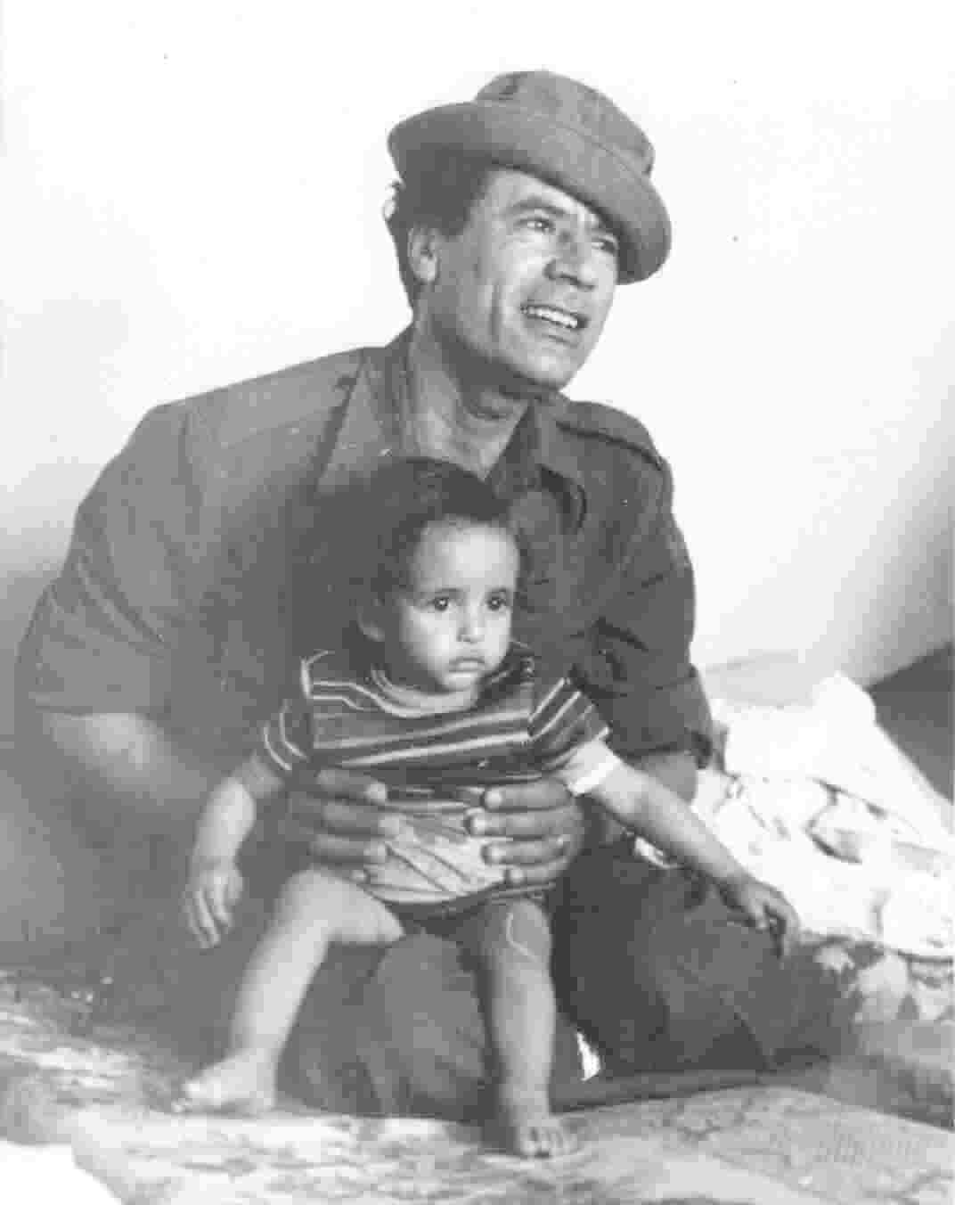 Läsvärda böcker – Gaddafis gröna bok 19
