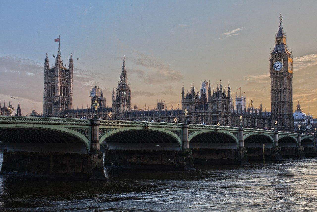 I skuggan av Brexit - behöver européerna EU? 8