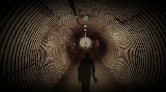 Tunnel Dark The Shadow Men  - Xpics / Pixabay
