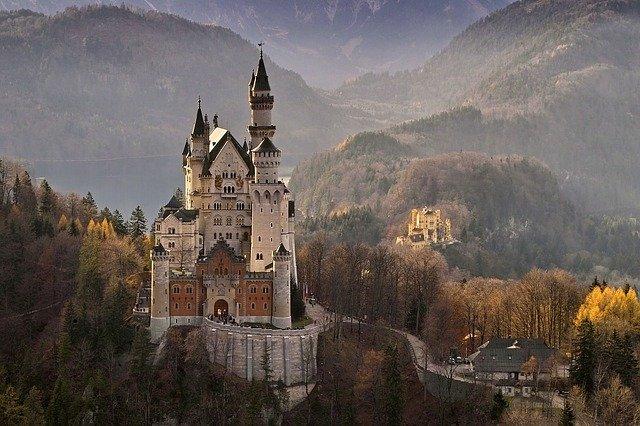 Neuschwanstein Castle Germany  - Helmut_Kroiss / Pixabay