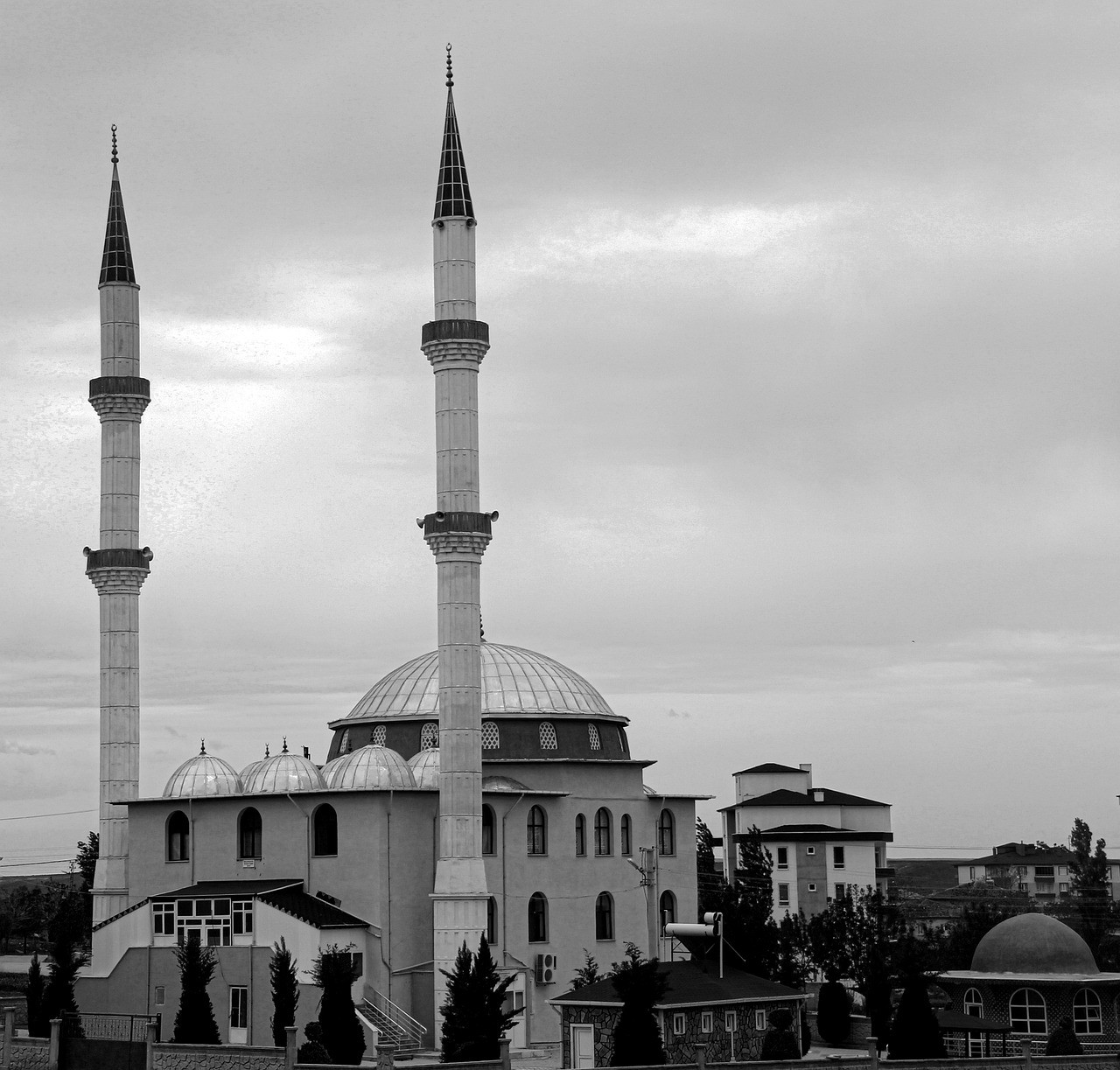 Mosque Black And White Architecture  - adnankale_ / Pixabay